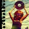 Аватар девушка с пластинкой (© Lintu), добавлено: 18.05.2008 16:20