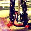 Аватар красные ботники и электрогитара (© Lintu), добавлено: 18.05.2008 15:55