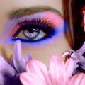 Аватар Лицо девушки, цветы, глаза (© Mirrorgirl), добавлено: 22.05.2009 12:11