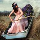 Аватар девушка плывет в лодке по земле (© Radieschen), добавлено: 14.11.2009 20:13