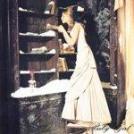 Аватар Девушка в длинном платье вытирает пыль с полок.. (© Сабина), добавлено: 30.01.2010 02:31