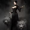 Аватар Девушка с белыми тиграми