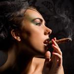 Аватар девушка с сигарой (© Sia), добавлено: 22.04.2010 19:52