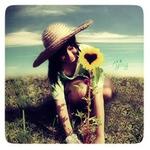 Аватар девушка с подсолнухом (© Louise Leydner), добавлено: 27.09.2010 19:01