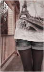 Аватар у девушки на футболке нарисована Эйфелева Башня