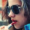 Аватар красит губы (© Louise Leydner), добавлено: 03.10.2010 11:03