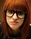 Аватар солистка Paramore в очках (© Louise Leydner), добавлено: 06.10.2010 14:05