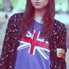 Аватар девушка в футболке на которой британский флаг