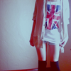 Аватар у девушки на футболке  британский флаг