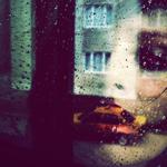 Аватар Отражение девушки в окне