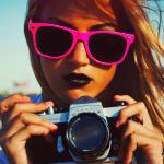 Аватар Девушка в розовых очках с фотоаппаратом в руках (© Радистка Кэт), добавлено: 23.02.2011 07:29