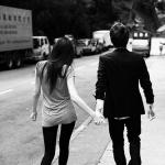 99px.ru аватар Парень и девушка идут за руку по улице