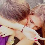 Аватар Парень целует девушку в щеку