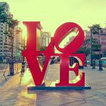 Аватар Большое слово LOVE на городской улице