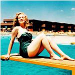 Аватар Мерлин Монро на фоне воды