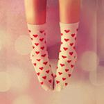 Аватар Ноги девушки в носках в сердечки