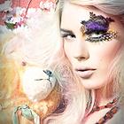 Аватар Ярко накрашенная девушка с плюшевым медведем