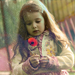 Аватар Девочка с цветком мака в руках