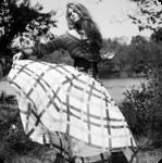 Аватар Девушка в пышной юбке на природе (© Радистка Кэт), добавлено: 11.05.2011 23:24