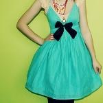 Аватар Девушка в бирюзовом платье с черным бантиком