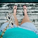 Аватар Девушка с украшением в виде совы