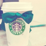 Аватар Starbucks coffee с зеленым бантом