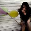 Аватар Грустная девушка с шариками