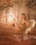 Аватар Девушка-ангел сидит на пеньке в лесу
