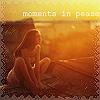 99px.ru аватар Девушка сидит на крыше дома в лучах заходящего солнца (moments in pease)