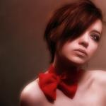Аватар Девушка с красным бантом на шее