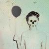 Аватар Парень с шариком в руке и маске черепа