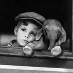 Аватар Мальчик и маленький слоник