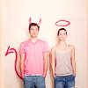 Аватар Парень и девушка с нарисованными нимбом и дьявольскими рожками