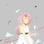 Аватар Аниме девушка с розовыми волосами вокруг которой летают бумажные самолётики