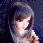 Аватар Темноволосая кукла с синими глазами