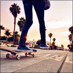 Аватар Девушка едет по дороге на скейте