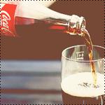 Аватар Кока-Колу / Coca-Cola наливают из бутылки в чтакан