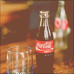 Аватар Бутылка Кока-Колы / Coca-Cola рядом с пустым стаканом