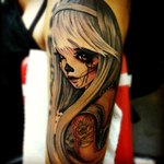 Аватар Татуировка на руке в виде девушки - скелета с длинной челкой и седыми волосами