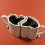 Аватар Две чашки-сердечки, с горячим кофе, хорошо дополняют друг друга стоя рядом