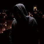 99px.ru аватар Парень в капюшоне на фоне ночного города