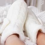 Аватар Ножки в белых домашних сапожках