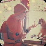 Аватар Девушка в шляпе и собачка