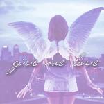 99px.ru аватар Девушка-ангел стоит спиной и смотрит на город раскинув руки (Give me love / Дай мне любовь)