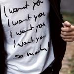Аватар Парень в футболке с надписью (I want you)