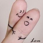 Аватар Забавные пальчики в виде обнимающихся человечков с надписью love/любовь