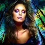 Аватар Девушка с ярким макияжем смотрит вызывающе