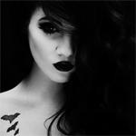 Аватар Девушка с черными волосами и губами
