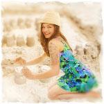 Аватар Девушка в ярком платье строит песчаную крепость (© SK), добавлено: 02.06.2013 18:56