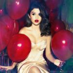 Аватар Актриса и певица Selena Gomez / Селена Гомес в окружении красных шаров